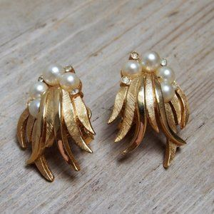 Crown Trifari 50s/60s Gold Plated Earrings